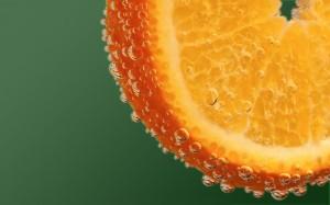 99px_ru_wallpaper_58148_apelsin_v_gazirovannoj_vode